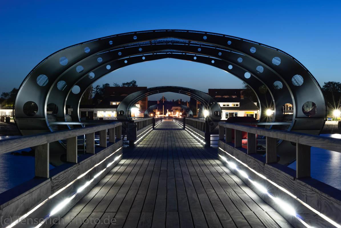 Die Seebrücke in Kellenhusen am Abend